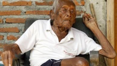 cel-mai-b-tr-n-om-din-lume-a-mplinit-146-de-ani-care-este-secretul-longevit-ii-sale-1