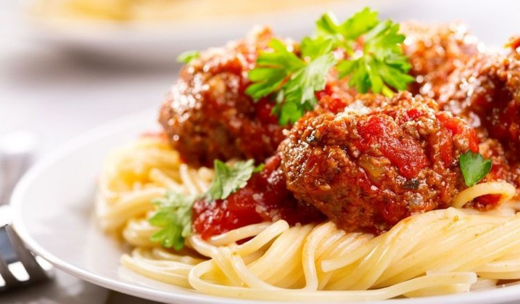 17245462 - pasta with meatballs and parsley with tomato sauce