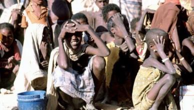 1024px-somali-children-waiting-465x390