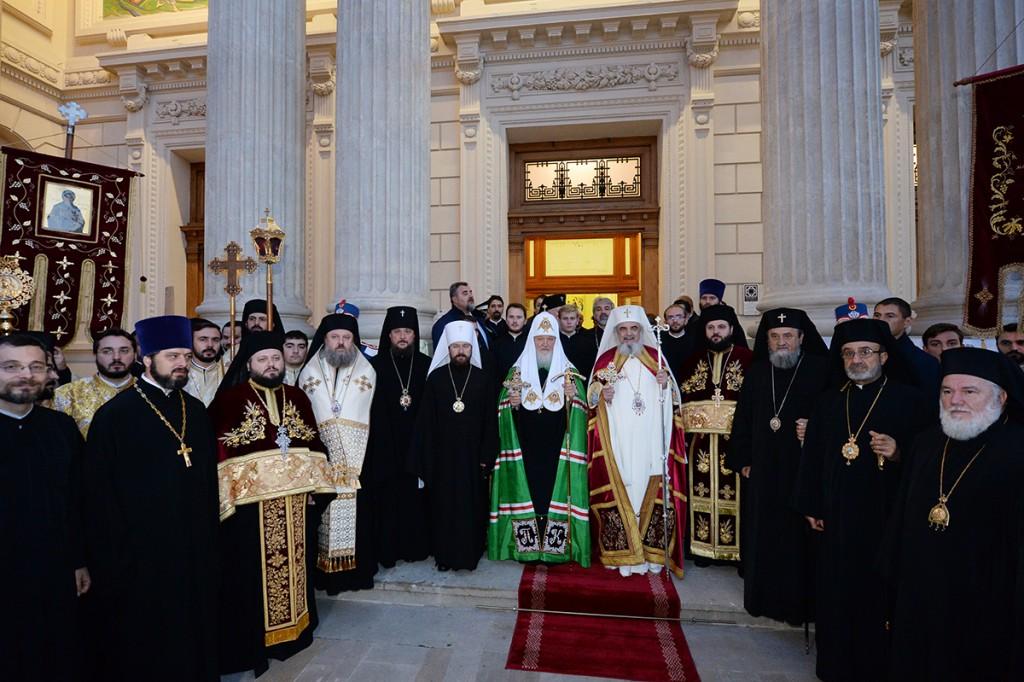 Молебен в Патриаршем кафедральном соборе