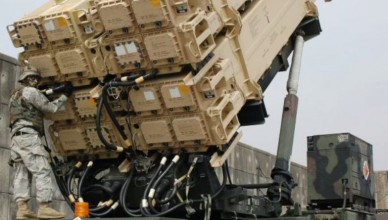 Maintenance_check_on_a_Patriot_missile-605x