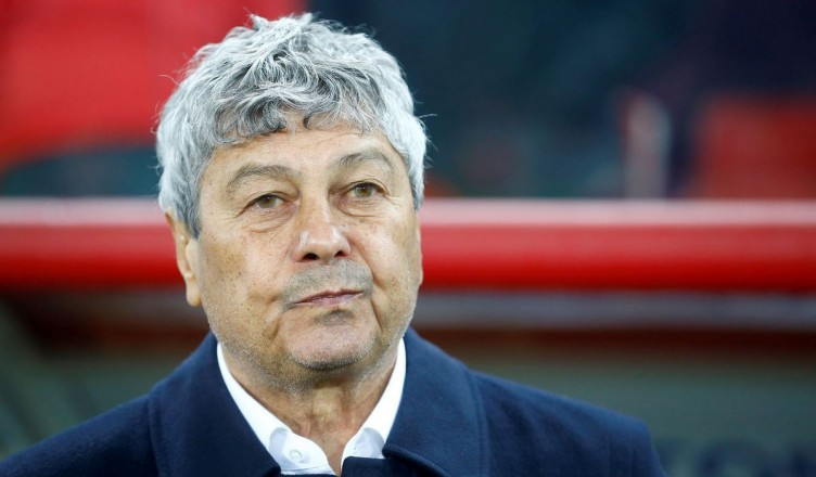 MOSCOW, RUSSIA - APRIL 16: Head coach of FC Zenit Saint-Petersburg Mircea Lucescu during the Russian Premier League match between FC Spartak Moscow and FC Zenit Saint-Petersburg at Otkrytie Arena Stadium in Moscow, Russia, on April 16, 2017. Sefa Karacan / Anadolu Agency