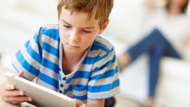 psihologi-fara-telefon--tableta--laptop-pana-la-3-ani--copiii-trebuie-sa-foloseasca-facebook-de-la-13-ani-incolo-1520844092