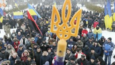 video-protest-in-kiev-circa-300-de-oameni-s-au-adunat-in-centrul-capitalei-si-cer-demisia-presdintelui-1520593285