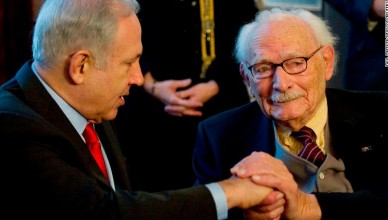 Israeli Prime Minister Benjamin Netanyahu honours Johan van Hulst (R) for his resistance work in World War Two in The Hague January 19, 2012.  REUTERS/Paul Vreeker/United Photos (NETHERLANDS - Tags: POLITICS CONFLICT) (Newscom TagID: rtrlfive010904.jpg) [Photo via Newscom]