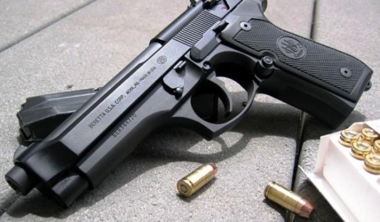 Пистолет-Beretta-92pistol_02_01