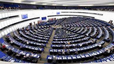 Parlamentul-European-arenă-pentru-războiul-diplomatic-dintre-Kiev-și-Moscova-1030x685