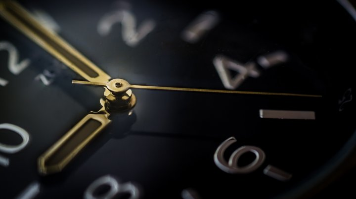 clock-hours-minutes-9352_80830000