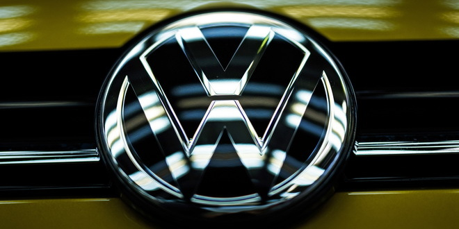 epa05839368 A Volkswagen (VW) logo picture on the hood of a car in the quality check in the production line in the Volkswagen (VW) parent plant in Wolfsburg, Germany, 09 March 2017. Volkswagen is scheduled to hold its annual balance press conference on 13 March 2017.  EPA/CARSTEN KOALL