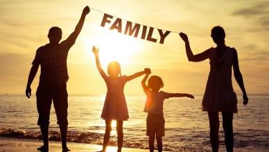 familie-fericită-900x500