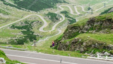 depositphotos_78656054-stock-photo-transfagarasan-road-fagaras-mountains-beautiful