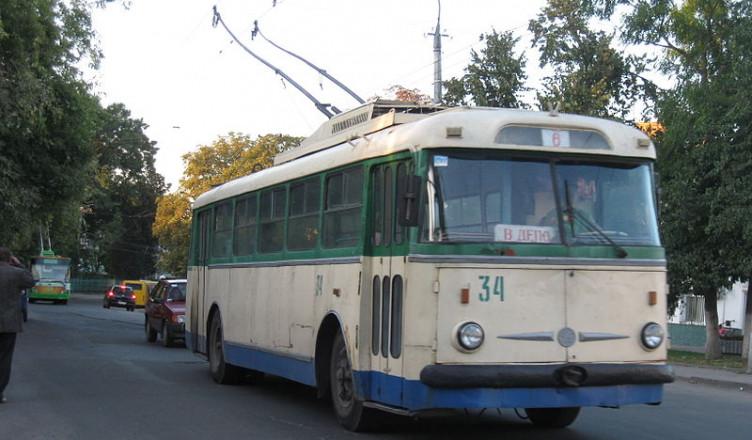800px-Луцький_тролейбус_№_6