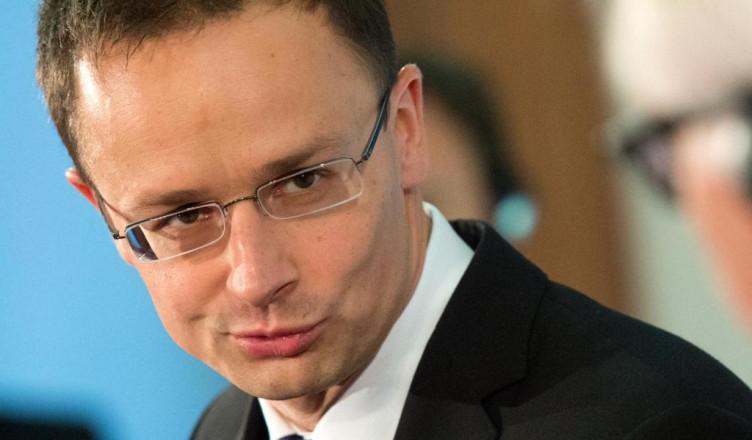 Ungarischer-Aussenminister-Szijjarto-bei-Steinmeier-3