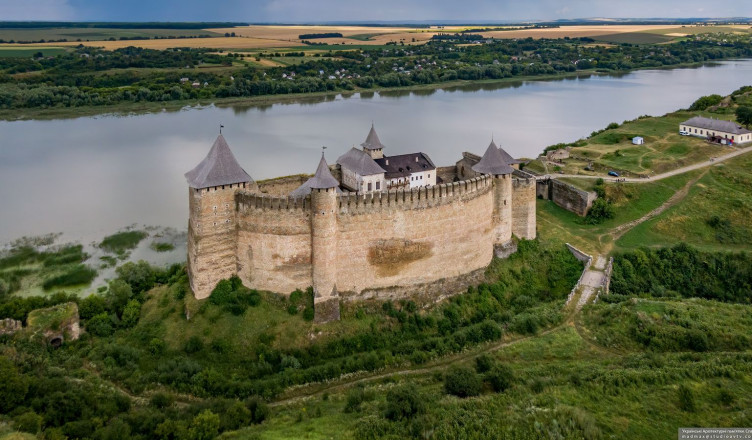 khotyn-fortress-from-above-ukraine-9