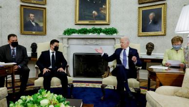 U.S. President Joe Biden gestures as he meets with Ukraine's President Volodymyr Zelenskiy in the Oval Office at the White House in Washington, U.S., September 1, 2021. REUTERS/Jonathan Ernst